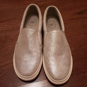 NWOT GAP genuine suede loafers